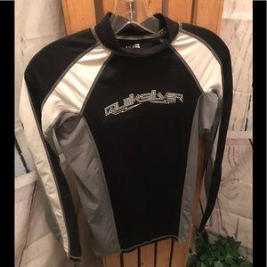 Quiksilver Boys size med skins board shirt